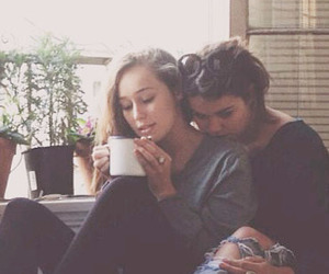 lesbian, couple, and alycia debnam carey image