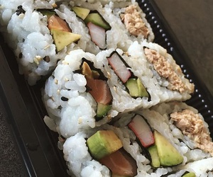 sushis and vogue image