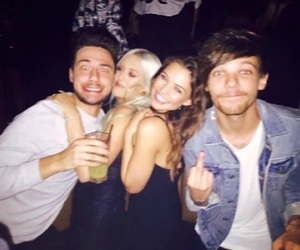 louis tomlinson, danielle campbell, and lottie tomlinson image