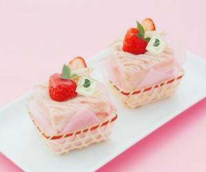 food, pink, and yummi image