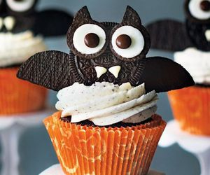 cupcake, Halloween, and bat image