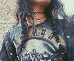 grunge, girl, and Guns N Roses image