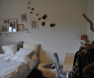 autumn, bedroom, and bedroom decor image
