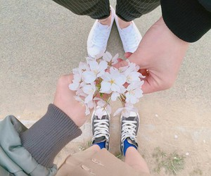 aesthetic, flowers, and couple image