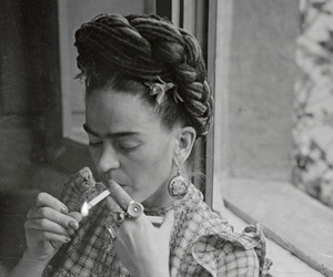 frida kahlo, Frida, and cigarette image