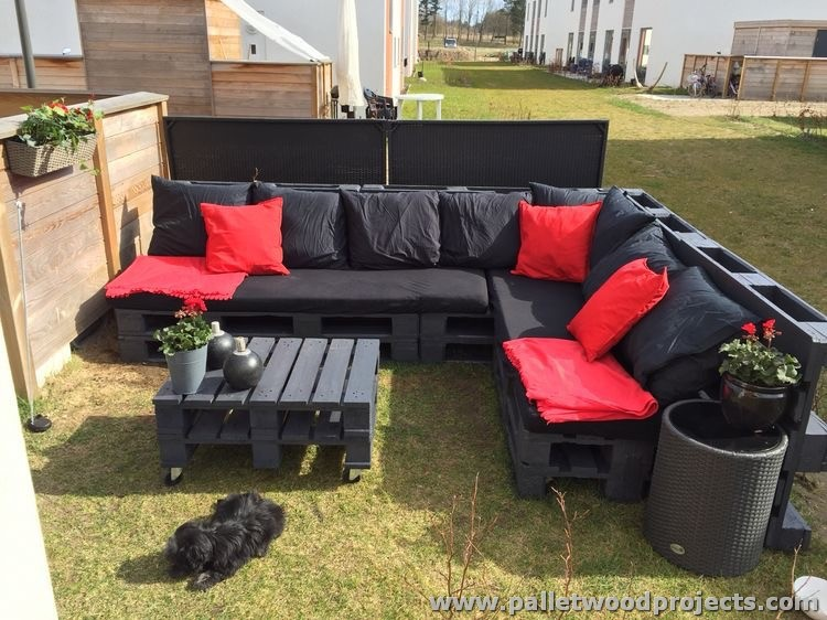 Pallet Garden Furniture Discovered By