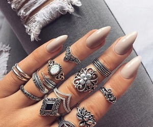 Nude, rings, and nails art image