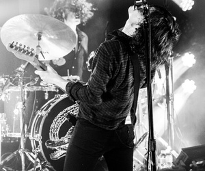 boy, the ride, and catfish and the bottlemen image