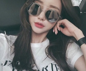 girl, ulzzang, and glasses image