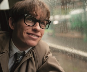 eddie redmayne, the theory of everything, and stephen hawking image
