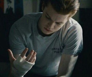 shameless and ian gallagher image
