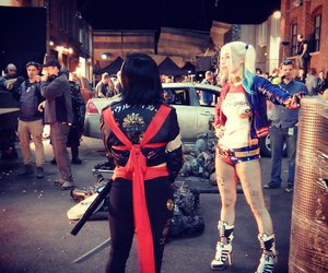 behind the scenes, harley quinn, and suicide squad image
