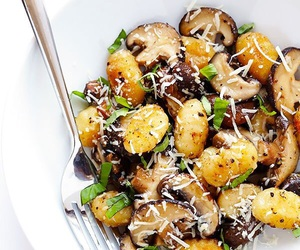 food, healthy, and mushrooms image