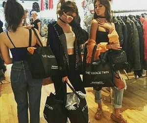 friendship, kelsey, and madison beer image