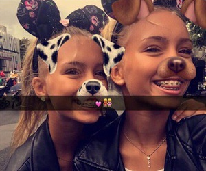 musical.ly and lisa and lena image