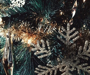 tree, christmas, and wallpaper image