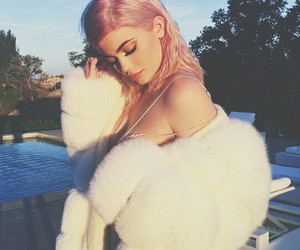 fashion, kylie jenner, and glitter image
