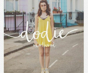 dodie clark, dodie, and youtube image