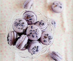 sweet, food, and ‎macarons image