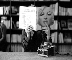 books and Marilyn Monroe image