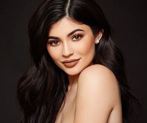 photoshoot, kylie jenner, and kylie cosmetics image