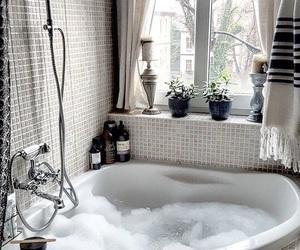 bath, beauty, and bedroom image