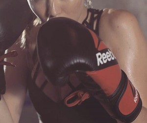 gigi hadid, boxing, and model image