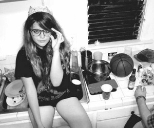 girl, sky ferreira, and party image