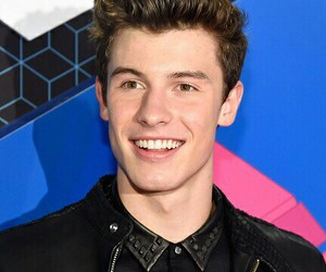 shawn mendes, red carpet, and shawn image