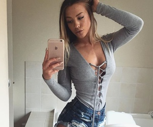 tammy hembrow, blonde, and shorts image