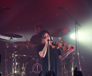 brendon urie, concert, and panic at the disco image