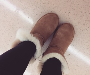 boots, fall, and ugg image
