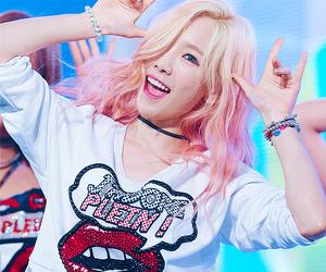 girls generation, snsd, and kim taeyeon image