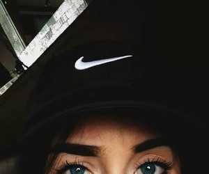 eyes and nike image