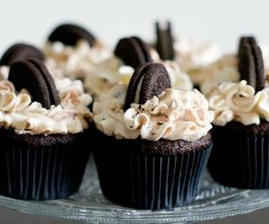 chocolate, oreo, and cupcakes image