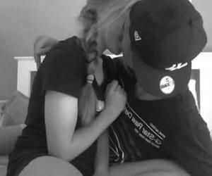 couples kiss image
