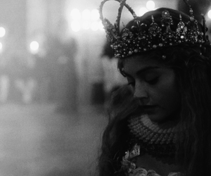 black and white, victoria, and crown image