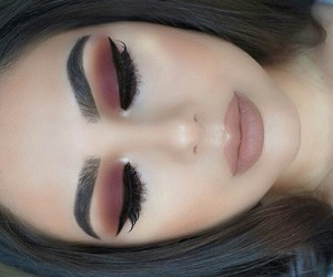 beauty, sombras, and eyeliner image