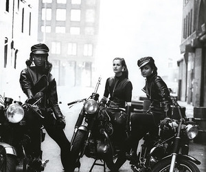 peter lindbergh, wild at heart, and vogue 1991 image