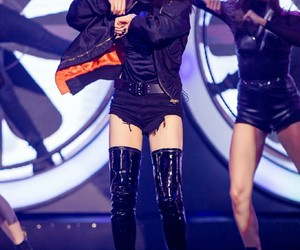 kpop, stage, and victoria image