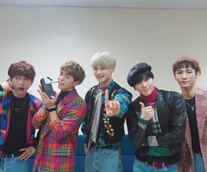 SHINee, key, and Onew image