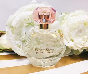 britney spears, white flowers, and cosmetics image