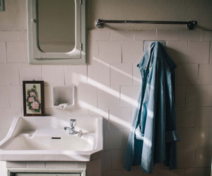 bathroom, indie, and photography image