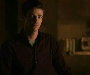 flash and grant gustin image
