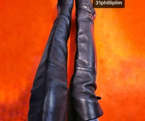 boots, knee high boots, and セクシー image