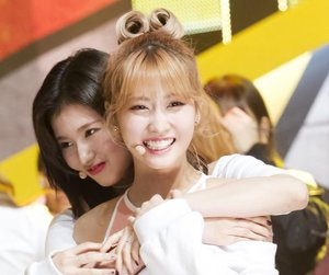 twice, momo, and kpop image