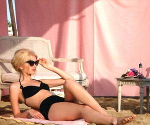 beach, girly, and daphne groeneveld image