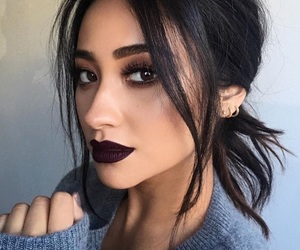 shay mitchell, makeup, and pll image