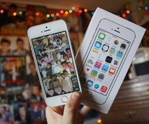 gadget, iphone, and 5sos image