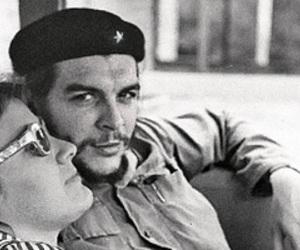 Che Guevara and aleida march image
